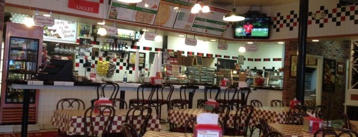 Palace Pizza is one of Posti che sono piaciuti a Robert.