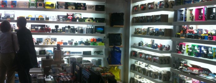 Lomography Gallery Store Madrid-Argensola is one of Xianaさんのお気に入りスポット.