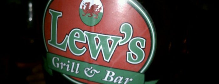 Lew's Grill & Bar is one of Restos.