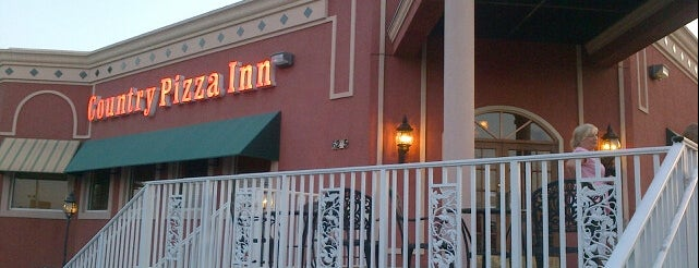 Country Pizza Inn is one of Hayley'in Beğendiği Mekanlar.