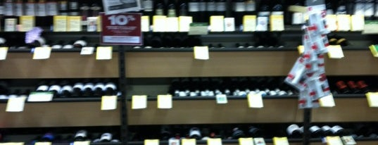 Total Wine & More is one of Posti che sono piaciuti a Audrey.