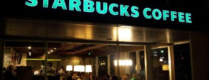 Starbucks is one of Posti che sono piaciuti a Túlio.