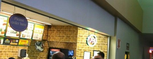 Subway is one of Orte, die Justin gefallen.