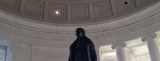 Thomas Jefferson Memorial is one of Top 10 tempat turis di Washington DC.