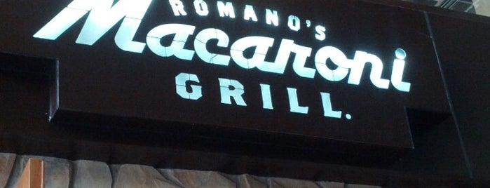 Romano's Macaroni Grill is one of Comida.