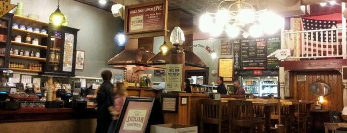 Potbelly Sandwich Shop is one of Ellis 님이 좋아한 장소.
