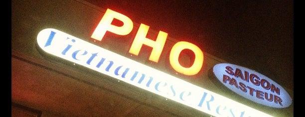 Pho Saigon Pasteur Vietnamese Noodle House is one of สถานที่ที่ Camilo ถูกใจ.