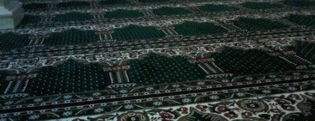 Masjid Al-Akhyar is one of AditBobo'nun Beğendiği Mekanlar.