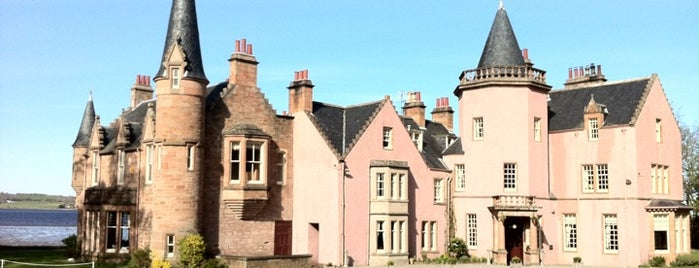 Bunchrew House Hotel Inverness (Scotland) is one of Tempat yang Disukai Laura.