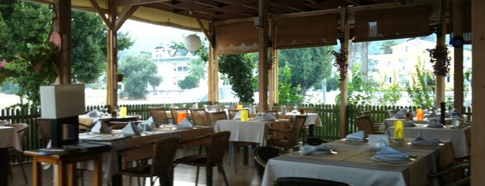 Monte Kemer Restaurant is one of Posti che sono piaciuti a Banu.