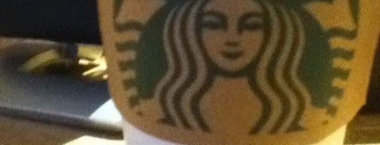 Starbucks is one of Lugares favoritos de Alicia.