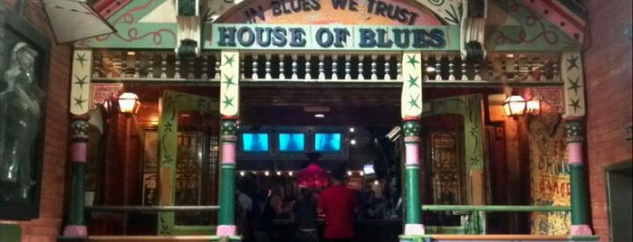 House of Blues Restaurant & Bar is one of Bridget 님이 저장한 장소.