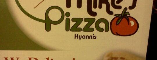 Mike's Pizza is one of Darren: сохраненные места.