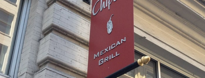 Chipotle Mexican Grill is one of Tempat yang Disukai Sam.