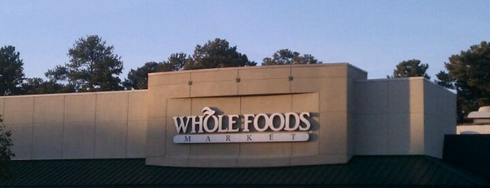 Whole Foods Market is one of William 님이 좋아한 장소.
