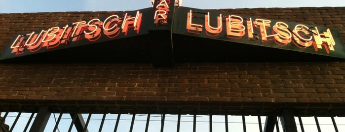Bar Lubitsch is one of LA Bar Resto.