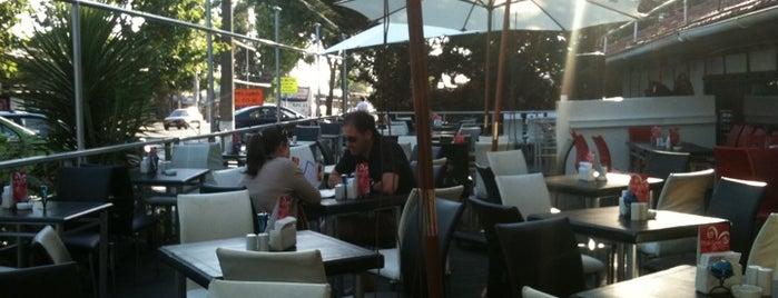 Las Urracas Multiespacio is one of Pubs, Bares, Restaurant, Resto Bar y Discoteque..