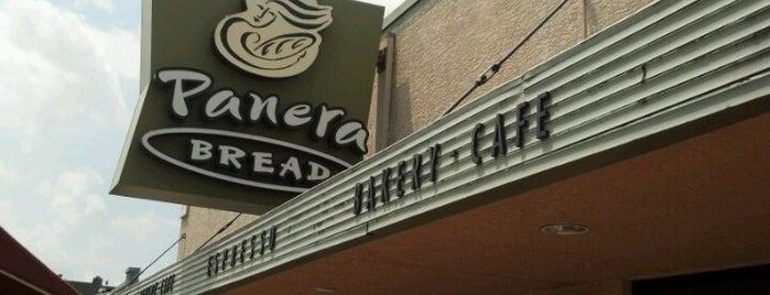 Panera Bread is one of สถานที่ที่ John ถูกใจ.