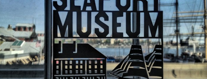 South Street Seaport Museum is one of Locais salvos de Allison.