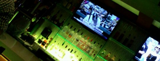 Crown Restaurant Lounge is one of Watching Channel 4NBC News!.