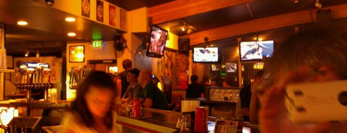 Harpo's Sports Grill is one of Sarah 님이 저장한 장소.