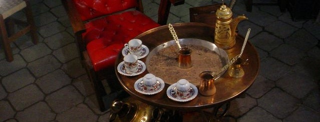 Pati Cafe is one of สถานที่ที่บันทึกไว้ของ Emre.