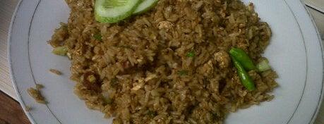 Lombok food corner is one of Lieux qui ont plu à Cice.