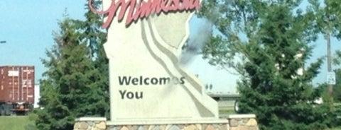 Iowa / Minnesota State Line is one of MN.