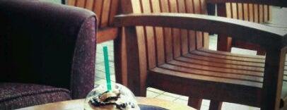 Starbucks is one of Hirman Evo ®  님이 좋아한 장소.