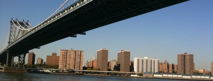 Manhattan Bridge is one of New York City.