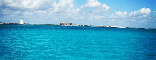 Caribbean Sea is one of Mexico // Cancun.