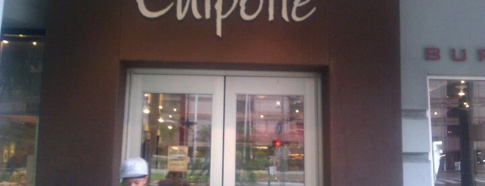 Chipotle Mexican Grill is one of Andresさんのお気に入りスポット.