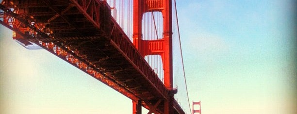 Golden Gate Bridge Toll Plaza is one of Posti che sono piaciuti a Jody.