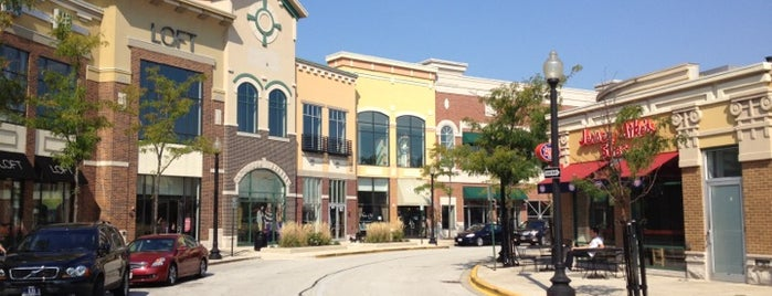 The Streets of Woodfield is one of chicago.