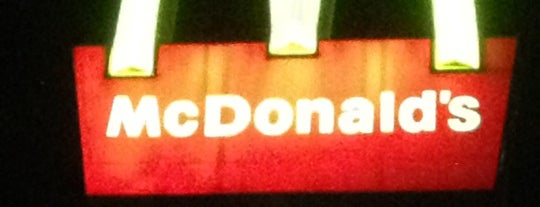 McDonald's is one of Lieux qui ont plu à Antonia.