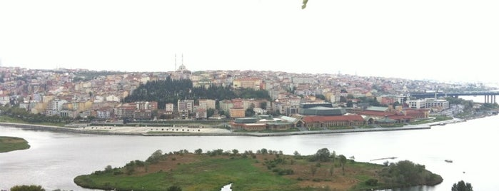 Pierre Loti Tarihi Kahve is one of Istanbul Tourist Attractions by GB.