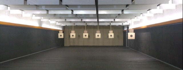 Caracal Shooting Club is one of Posti salvati di Mansoor.