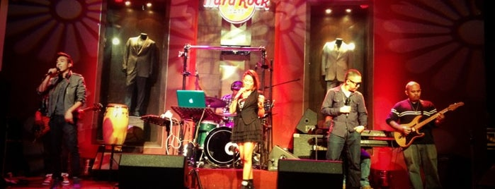 Hard Rock Cafe Makati is one of Posti che sono piaciuti a Chuck.