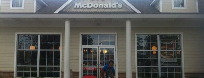 McDonald's is one of Lugares guardados de Scott.