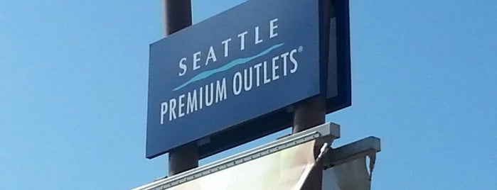 Seattle Premium Outlets is one of Tempat yang Disukai Moe.