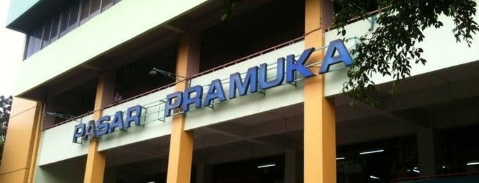 Pasar Pramuka is one of Lugares favoritos de Linto.