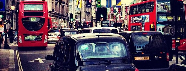Regent Street is one of London Favorites.