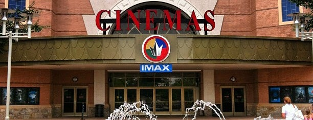 Regal Cinemas Fox 16 & IMAX is one of Locais salvos de Fatma.