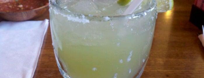 El Toro Mexican Bar & Grill is one of Tempat yang Disukai Laura.
