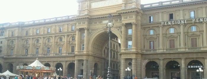 Piazza della Repubblica is one of Florence.
