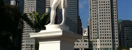 Sir Stamford Raffles Statue (Raffles' Landing Site) is one of Lion City.