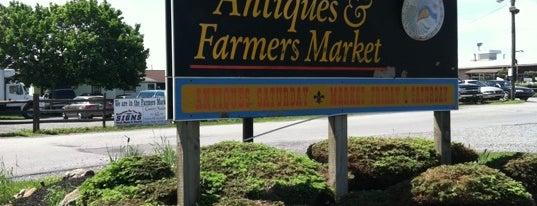 Renningers Farmers Market is one of Markets.