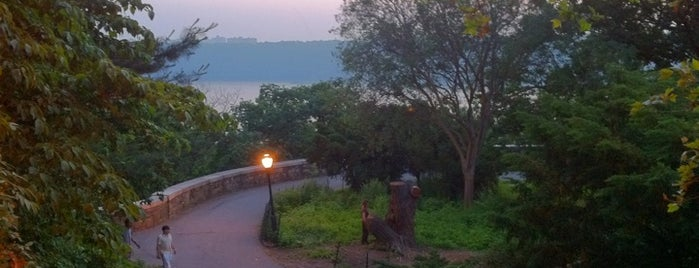 Fort Tryon Park is one of NYC Sunset Spots.