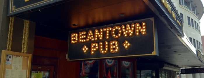 Beantown Pub is one of Boston Bars.