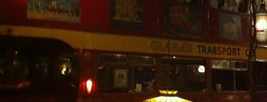 Clara's Pizza King is one of Posti che sono piaciuti a Matt.